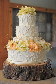 messy buttercream wedding cake .... I love this idea with Autumn Flowers