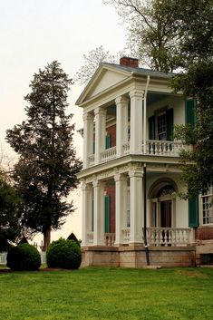 History buff? Franklin and Williamson County are full of historical plantations and monuments to suite your fancy! Pictured here is the Carnton Plantation in Franklin.