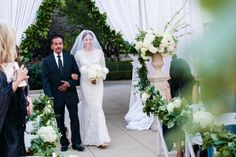Outdoor wedding at @fsdallas, white and green wedding | @dyankethley Photography | Events by @mullen_kristin #LuxBride