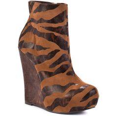 Luichiny Jam Ming Wedge - Giraffe #heels #shoes #boots #giraffeprint #animalprint