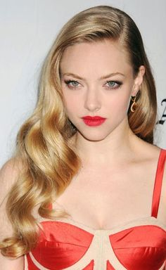 Oooh, think I want my hair to be something like this for my sister's wedding. holiday hair, face shape, waves, curl, girl hairstyles, veronica lake, beauti, hair looks, amanda seyfried