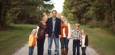 Great info on posing families and how to get different looks during your session