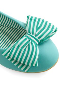 adorable flats, love the color, stripes, and bow!!