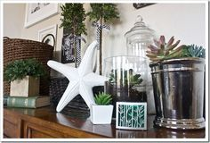 Green Accents on Mantle