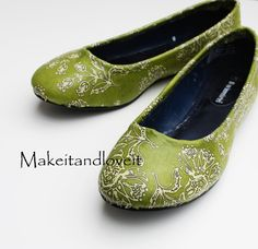 A great tutorial on how to cover shoes with fabric!  I have already done two pairs. . .