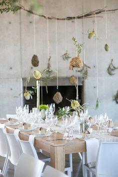 modern wedding, photo by Adene Photography http://ruffledblog.com/nature-inspired-wedding #weddingideas #weddingreception