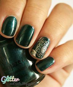 Glitter and Nails: China Glaze Emerald Fitzgerald  http://glitterandnails.blogspot.fr