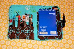 Fun art party favor idea from The DIY Darling ~ a DIY crayon wallet (with full tutorial)