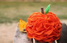 How to make a felt pumpkin - Tutorial