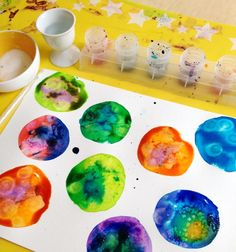 Perfect thing to do with your child on a Rainy day! 7 Watercolor Techniques for Kids :: Experimenting