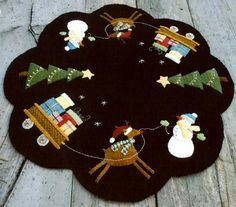 Wool Table Topper tree skirt, wool applique, christmas tables, applique patterns, penni rug, rug hooking