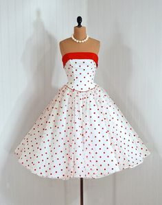 1950s Dress. I want this oh so badly.