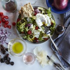 Mediterranean Breakfast Salad by dole: Light and healthful breakfast salad with lemon, red wine vinegar, black olives and pita. #Salad #Breakfast #Mediterranean #Healthy