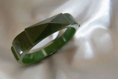 Vintage carved bakelite bangle bracelet dark green ~ rare ~ $350