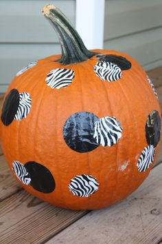 Duct Tape Pumpkins | Fall Decorating with…Duck Tape