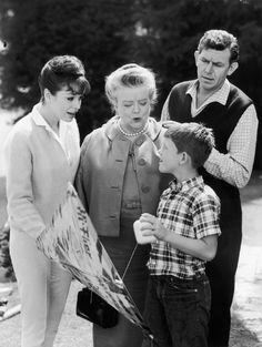Still of Ron Howard, Frances Bavier, Aneta Corsaut and Andy Griffith in The Andy Griffith Show