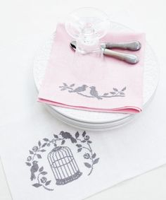 Idea napkins with embroidery