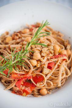 • Tagliatelle mit Kichererbsen und frischen Tomaten