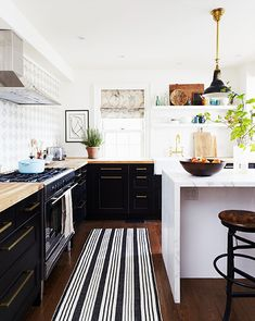 {the best materials for your kitchen countertops: quartzite, stainless steel, wood, quartz}