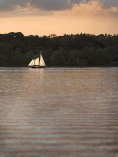 under sail by Jeff Epp