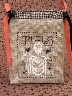 Spiders & Bones ~ The Drawn Thread; downsunshinelane.com
