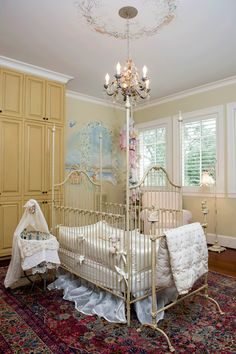 Omg absolutely love this baby girl nursery idea