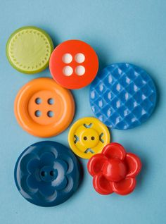 rainbow of buttons