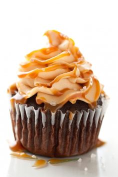 Chocolate Cupcakes with Salted Caramel Frosting. #recipes #foodporn #desserts #cupcakes