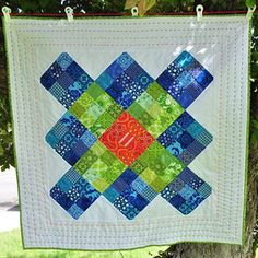 Want a free andeasygranny square quilt block pattern? Try out this Insanely Easy Granny Square Quilt Block. The granny square is a great quilting technique to have in your arsenal because it's beautiful, traditional, and simple.