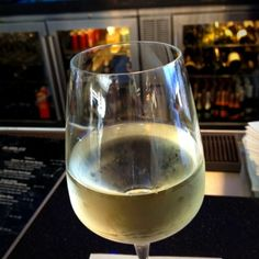 Kim Crawford Sauvignon Blanc @ Bubbles Wine Bar - Fantastic tropical nose... Really, really nice. I want a whole bottle!