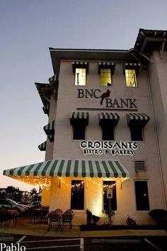 Croissants Bistro & Bakery's location in Myrtle Beach, SC