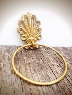 BOLD metallic gold ornate shell bathroom towel ring // nautical beach tropical towel hanger hook // shabby chic weathered cottage rustic