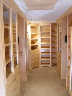what an awesome closet!