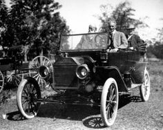 Henry Ford chauffeurs Thomas Edision (GE) Ford car 1914 Florida