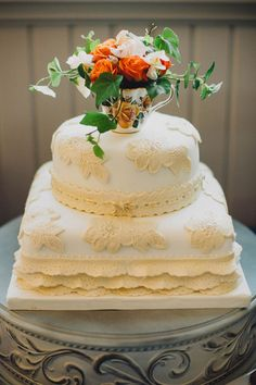 wedding cake with lace detail, photo by Braun Photography http://ruffledblog.com/bohemian-wedding-with-a-colorful-patterned-dress #weddingcake #cakes