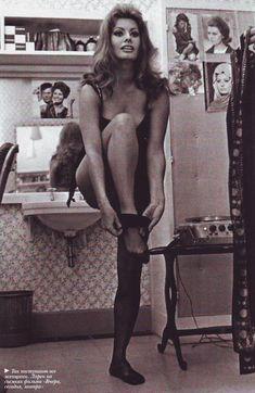 Famous Italians ~ #famousItalians #Italians #celebrities #Vintage #Photography ~ Sophia Loren