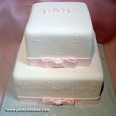Christening Cakes: Love the bow