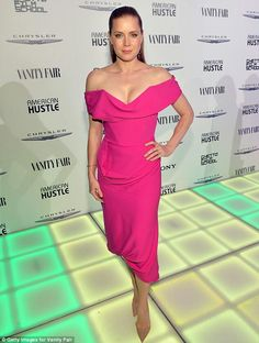 Amy Adams fabulous cleavage in a plunging pink gown.