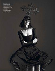 Kate Moss & Saskia De Brauw are Bewitching for Mert & Marcus in Vogue Paris September 2012