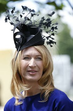 Ascot, England - Ornate hats at the Royal Ascot horse race - Pictures - CBS News