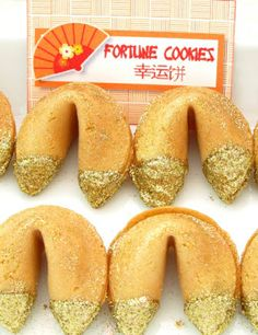 Lunar Chinese New Year Party Glitter Fortune Cookies and printable partyt tags in Chinese! So cute!!! #chineseNewYear #Chinese #partyfavors #partyideas #printables #fortunecookies