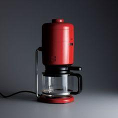 Dieter Rams,Braun coffee machine(KF 20 Aromaster), 1972; detail, design: Florian Seiffert, photo: Koichi Okuwaki.