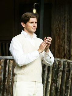Allen as Tom Branson. I love him in white <3