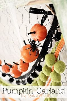 DIY Halloween Pumpkin Garland... Easy tutorial! #Halloween
