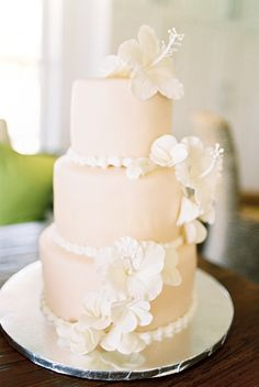 Wedding Cake - On http://www.stylemepretty.com/2014/03/21/intimate-bahamas-destination-wedding/ Photography: JeremiahAndRachel.com on #SMP