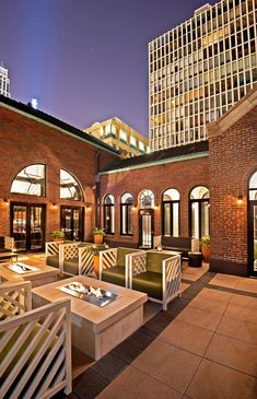 Drumbar located on the rooftop of Raffaello Hotel