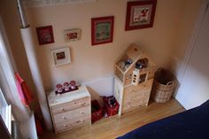 kids room, via Dried Figs and Wooden Spools
