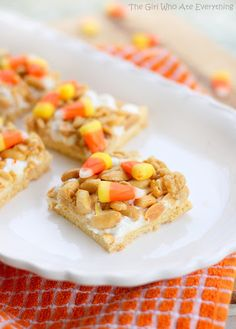 Scarecrow Treats w. candy corn, marshmallows, and salty peanuts