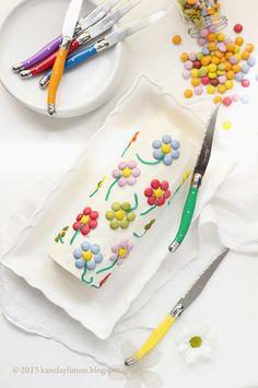 Kanela y Limón: Tarta decorada con lacasitos