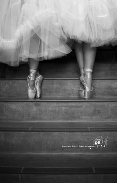pointe on stairs